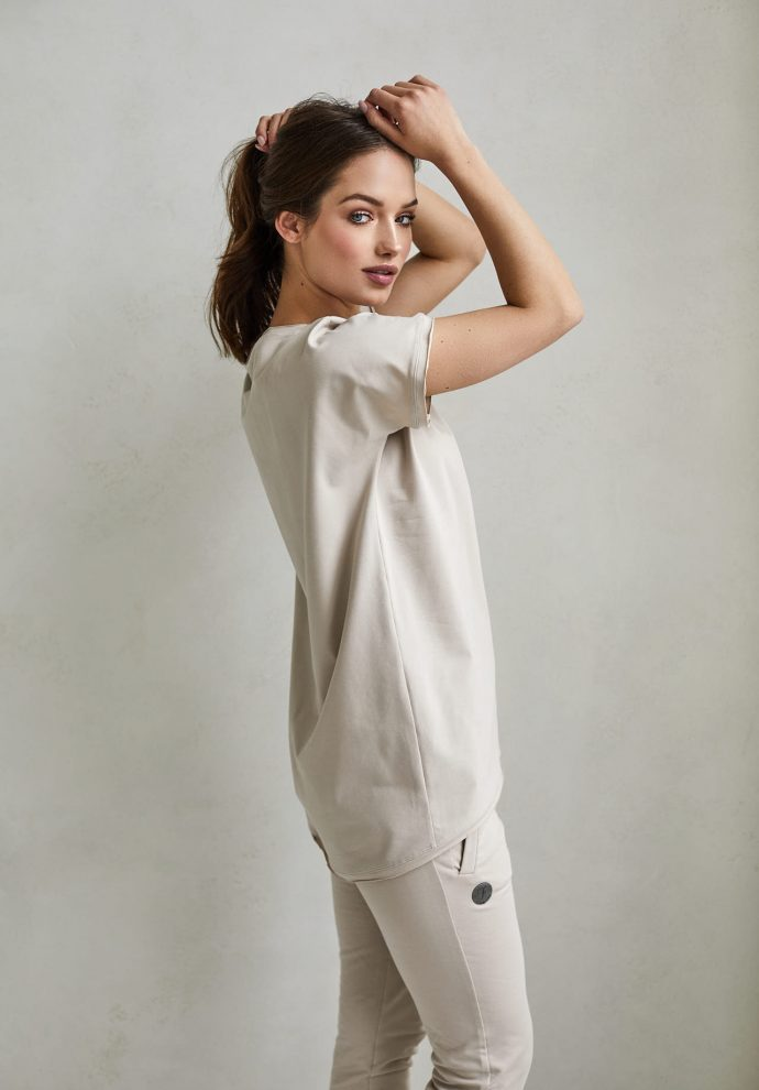 t-shirt Lily piaskowy- zdjęcie 2