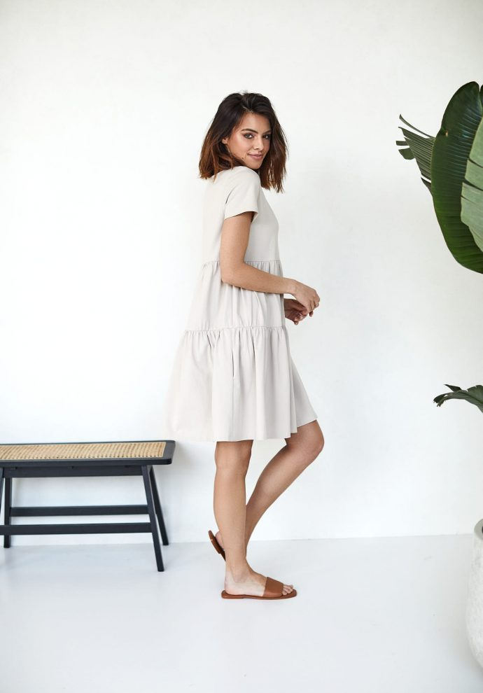 sukienki Karen piaskowa- zdjęcie 3