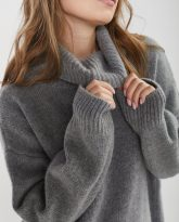 sweter z golfem f z wełny merynosa i kaszmiru Adele szary- zdjęcie 4