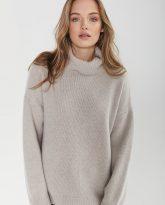 sweter z golfem f z wełny merynosa i kaszmiru Adele beżowy - zdjęcie 2