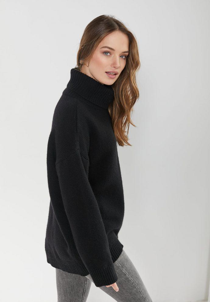 sweter z golfem f z wełny merynosa i kaszmiru Adele czarny- zdjęcie 3