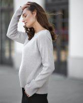 Sweter Sally z wełny merino i kaszmiru beżowy- zdjęcie 3