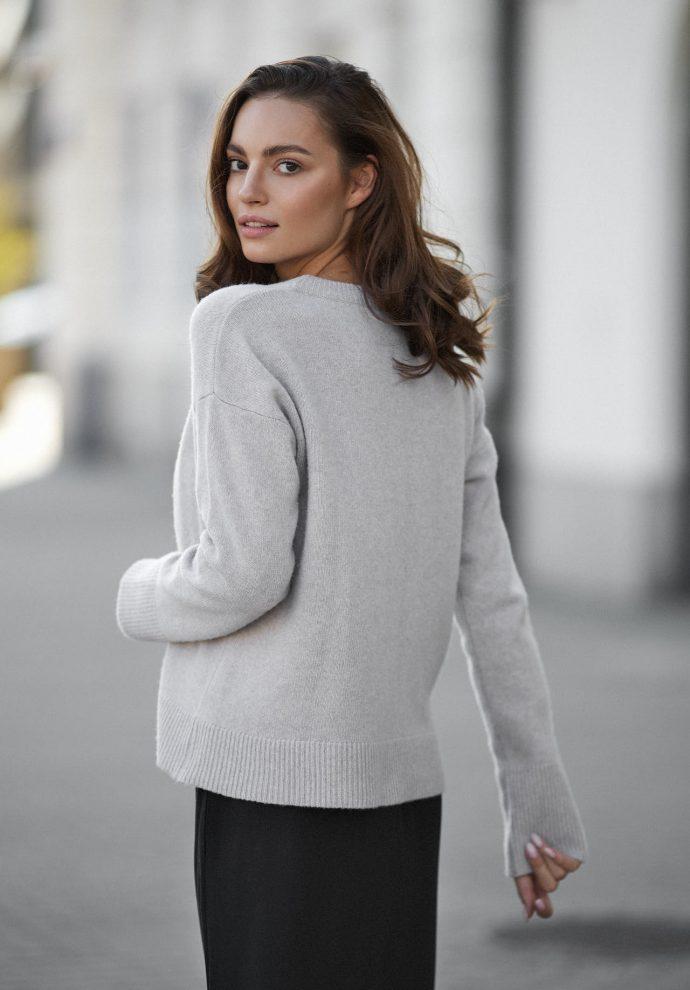 Sweter Sally z wełny merino i kaszmiru beżowy- zdjęcie 2