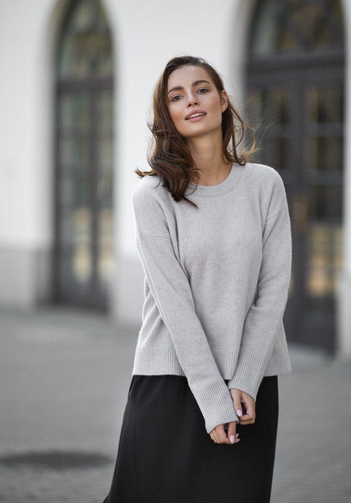 Sweter Sally z wełny merino i kaszmiru beżowy