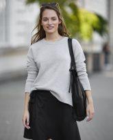 Sweter Sally z wełny merino i kaszmiru beżowy- zdjęcie 4