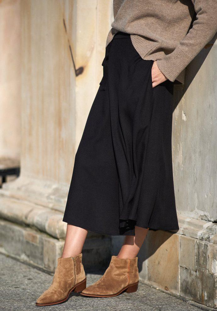 spódnica Donna długa z zakładkami czarna- zdjęcie 2