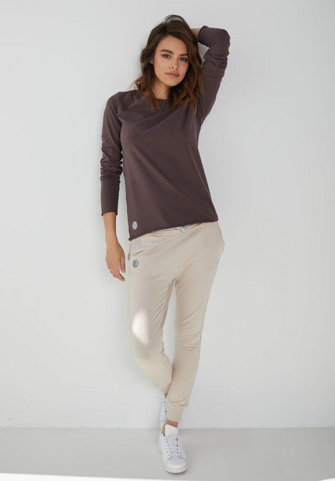 spodnie dresowe baggy piaskowe