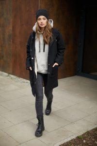płaszcz z kapturem Millie czarny zdjęcie 7